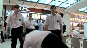Foodcourt turns dance studio for viral advertisement