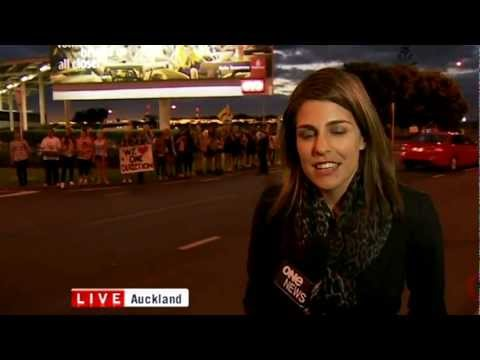 "Blooper Watch: One News ""They've lost us"" live cross"