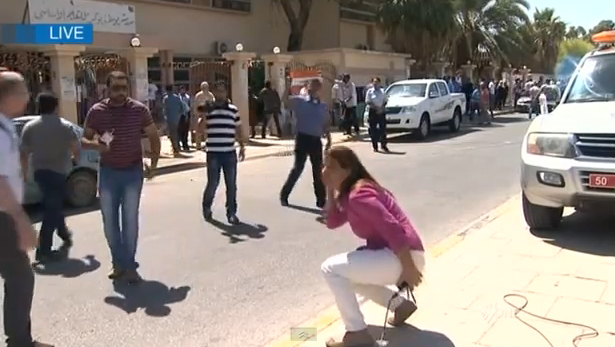 VIDEO: Correspondent caught in gunfire in Libya on live TV